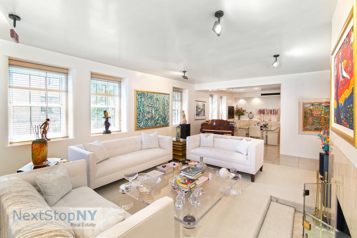 860 Park Avenue Interior Photo